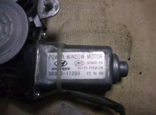 Стеклоподъемник электрический на Hyundai Matrix