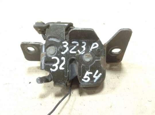Замок багажника на Mazda 323 (BA) 323C/ 323F/ 323S/ 323P