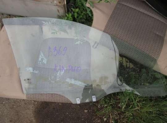 Стекло боковое двери на Kia Rio I (DC)