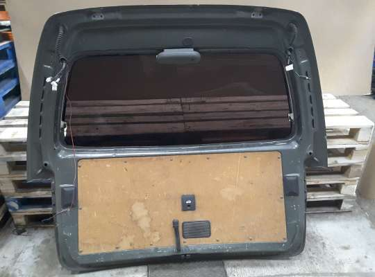 Крышка багажника на Hyundai Starex (H1)