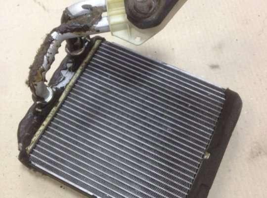 Радиатор отопителя (печки) на Mitsubishi Carisma DA