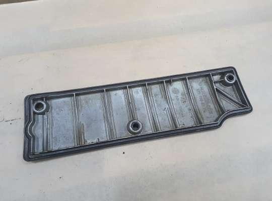 Крышка клапанная (крышка головки блока) на Mercedes-Benz Vito (W638)