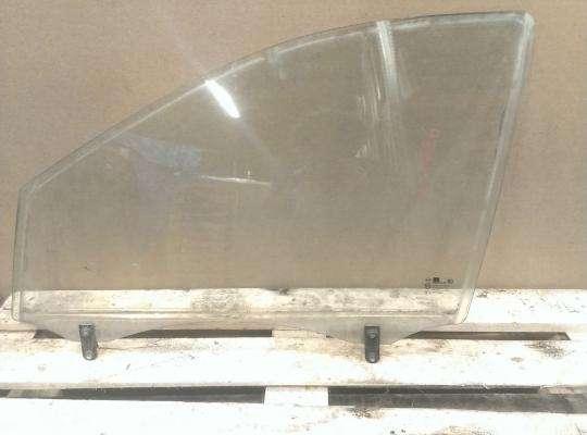 Стекло боковое двери на Kia Sorento I (JC, BL)