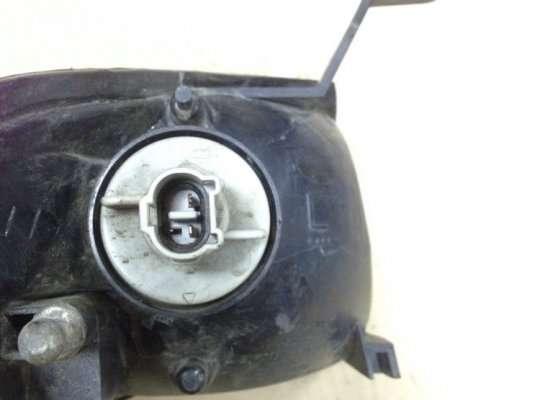 Поворотник передний на Mazda 323 (BA) 323C/ 323F/ 323S/ 323P